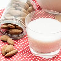 5 techniques pour faire un lait d'amande maison